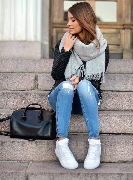 ripped jeans & sneakers