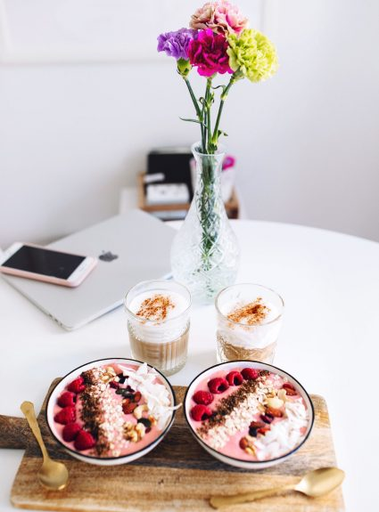 Coffee & smoothie bowl date