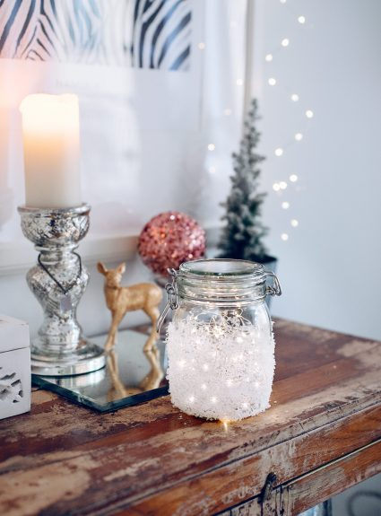 DIY: Snowy mason jar fairy lights